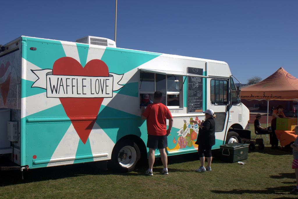 waffle-az-logo-food-truck