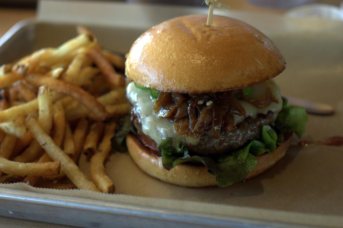 hopdoddy-el-diablo-burger-scottsdale-arizona
