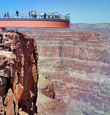 grand-canyon-skywalk-side-view