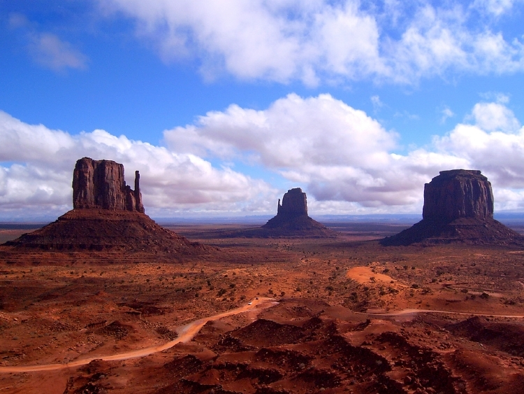 Monument_Valley_from_Visitor_Center